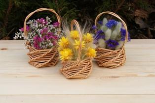 Витые корзиночки с сухими цветами
